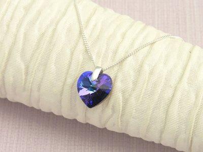 velvet-heart-necklace