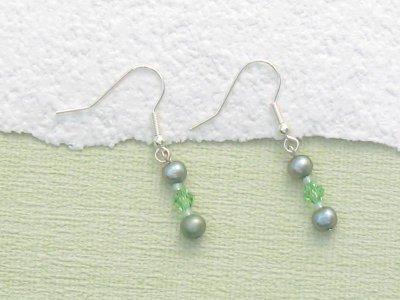 pearl-drop-earrings-peridot