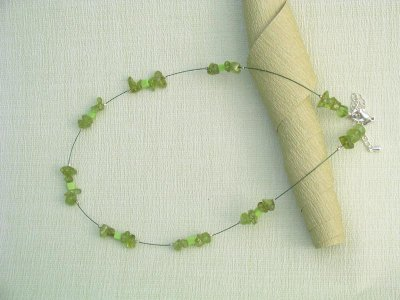 crystal-gem-necklace-peridot