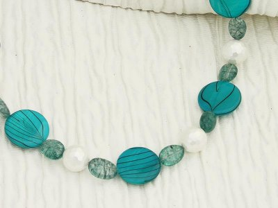 cyan-crackle-a-swirl-necklace