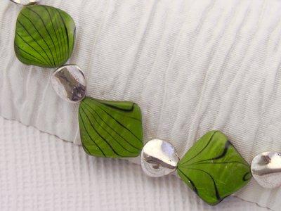 crisp-lime-slice-necklace