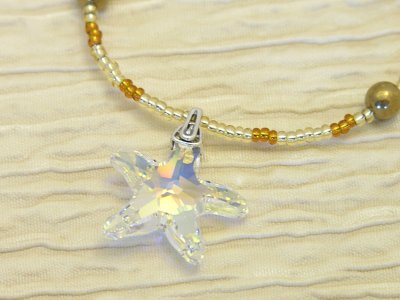golden-star-necklace