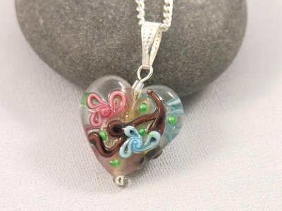 hearts-a-flowers-necklace