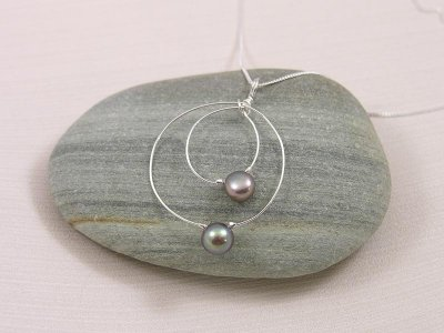 orbit-necklace