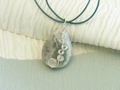 peace-swirl-pendant