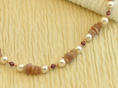 peach-melba-necklace
