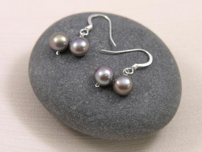 platinum-dancing-pearls-earrings