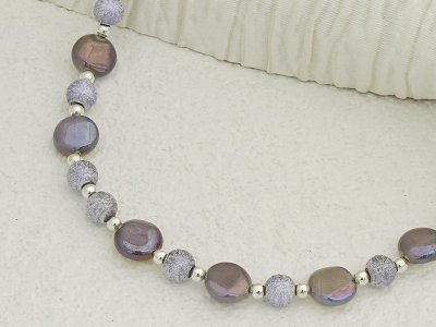 plum-lustre-necklace