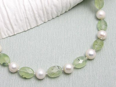 white-moss-necklace
