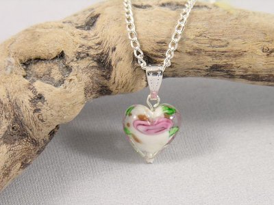 white-rose-heart-necklace