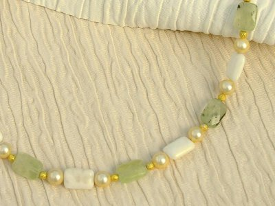lemoncello-prehnite-necklace