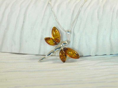 amber-dragonfly-necklace