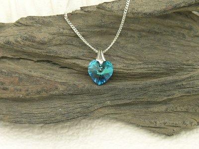 bermuda-heart-necklace-small