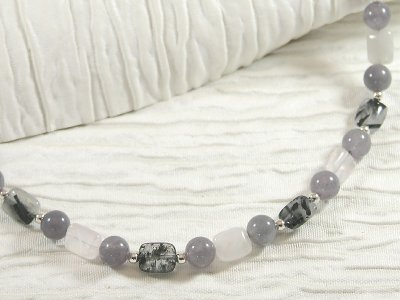 shades-of-quartz-necklace